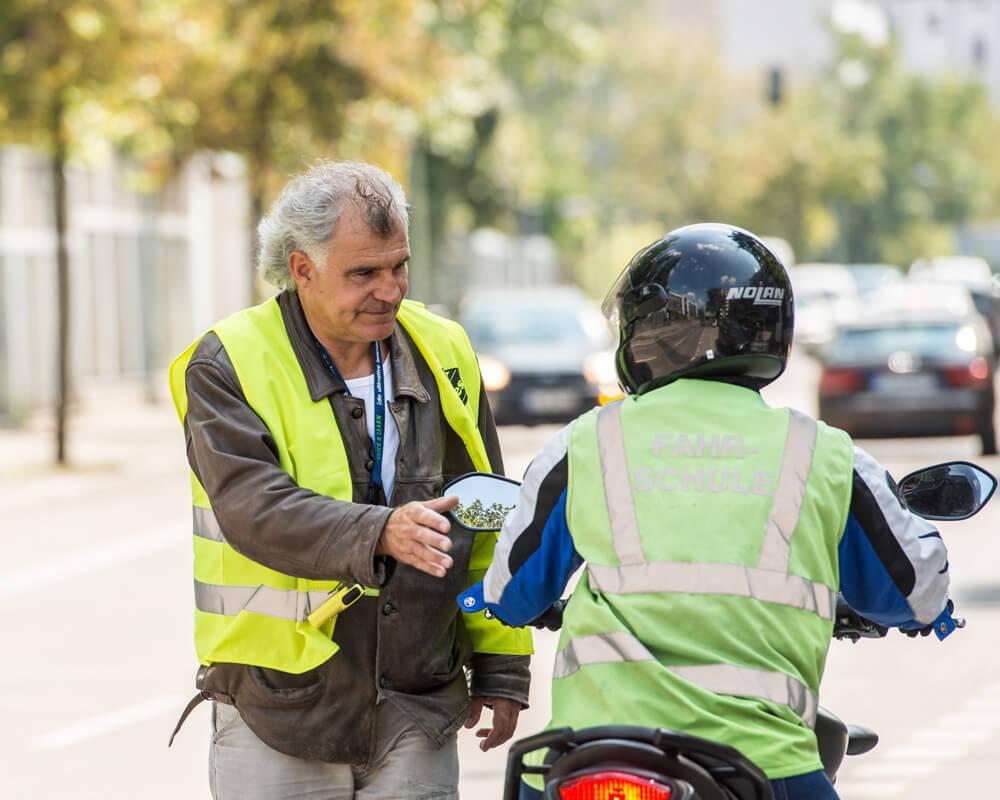motorradfahrlehrer